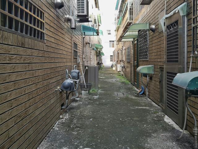 鬧中取靜歐式透天車庫,台南市新營區東興四街