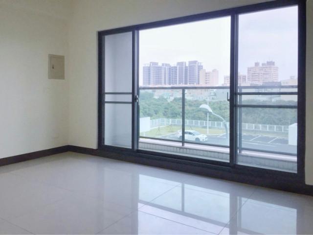 新營UNIQLO旁金華車庫別墅,台南市新營區金華路二段