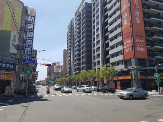 新營黃金地段電梯金店面,台南市新營區新南里20鄰民治路