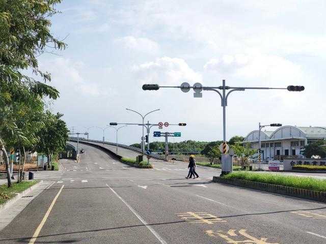 長榮路都計內三角窗農地,台南市新營區南紙段